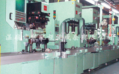 Final drive/differential assembly line